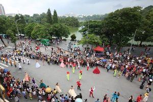 Tổ chức nhiều sự kiện tại phố đi bộ hồ Hoàn Kiếm trong tháng 12