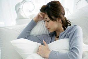 Chứng đau đầu sau sinh mổ: Nguyên nhân, dấu hiệu và cách giảm đau an toàn cho sản phụ