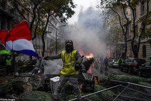 Pháp đau đầu tìm cách khắc phục nạn bạo động 'Áo vàng' tại Paris