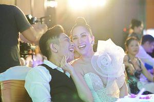 Chuyện showbiz: Chồng trẻ Khánh Thi bức xúc khi bị chê lấy vợ hơn tuổi