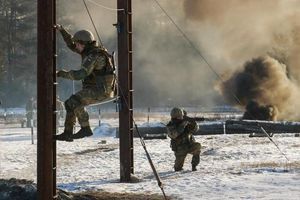 Ukraine huy động quân dự bị, tập trận lớn sát biên giới Nga