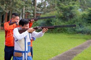 Bộ trưởng Nguyễn Ngọc Thiện bắn giao lưu đĩa bay với Jin Jong Oh