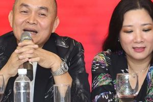 Nghệ sĩ Xuân Hinh hoang mang khi bị Tự Long dọa xóa facebook