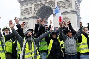 Thủ tướng Pháp sẽ dừng tăng thuế nhiên liệu để xoa dịu người biểu tình?