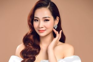 MC 'Bản tin 60 giây' vào chung kết 'Người mẫu Quý bà Việt Nam 2018'