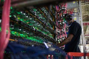 Nhóm thợ mỏ đào bitcoin nhỏ lẻ giảm dần