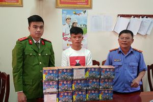 Bắt vụ buôn bán 21 kg pháo từ Lào về Nghệ An
