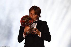 Luka Modric giành Quả bóng Vàng 2018 sau khi vượt qua Messi và Ronaldo