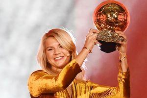 Lần đầu tiên nữ cầu thủ giành Quả bóng vàng của France Football