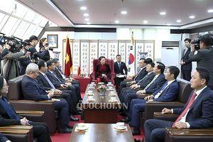 Chủ tịch Quốc hội Nguyễn Thị Kim Ngân tiếp Tổng Lãnh sự danh dự Việt Nam tại busan, Hàn Quốc