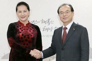 Chủ tịch Quốc hội Nguyễn Thị Kim Ngân tiếp Thị trưởng TP Busan