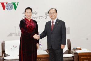 Chủ tịch Quốc hội tiếp Thị trưởng thành phố Busan của Hàn Quốc