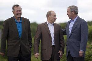 Cuộc gặp kỳ lạ của Tổng thống Bush 'cha' và Tổng thống Nga Putin
