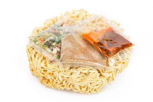 Gói gia vị: Thành phần không thể thiếu trong mì ăn liền?