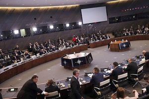 NATO, Mỹ 'song kiếm hợp lực' cho Nga cơ hội cuối cứu vãn hiệp ước tên lửa