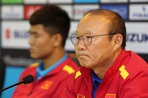 HLV Park Hang-seo 'không biết' muốn gặp Thái Lan hay Malaysia ở chung kết