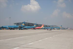 Hai hành khách gây rối, tấn công tiếp viên ngay trên máy bay