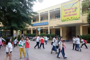 Giám đốc Sở GDĐT Hà Nội bức xúc cô giáo bắt học sinh tát bạn 50 cái