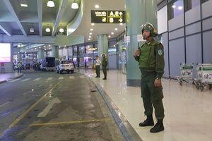 Hành khách lại hành hung tiếp viên hàng không