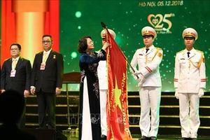Phó Chủ tịch nước trao Huân chương Lao động hạng Ba cho Cty CP Chăn nuôi C.P. Việt Nam