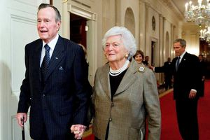 Xúc động lời nói cuối cùng của Bush 'cha' trước khi nhắm mắt