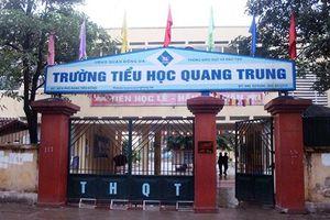Tạm đình chỉ cô giáo Hà Nội bị tố bắt học sinh lớp 2 tát bạn 50 cái