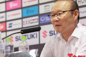 HLV Park Hang-seo 'kết' bàn thắng của Công Phượng