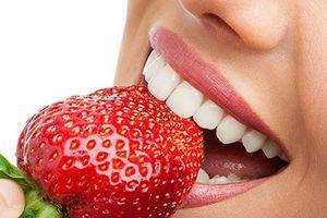 Bỏ ra 5 phút làm trắng răng tại nhà với các nguyên liệu có sẵn