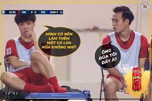 Dân mạng hài hước chế ảnh Công Phượng 'cắn móng tay' ở ghế dự bị trong trận Việt Nam - Philippines