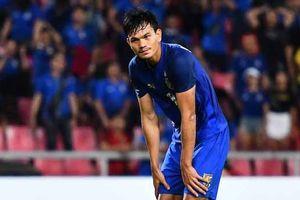 HLV Thái Lan đã tính không cho Adisak Kraisorn sút quả penalty