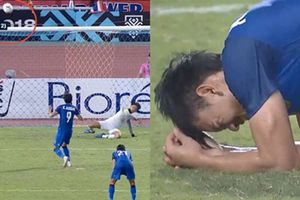 Cầu thủ Thái Lan bật khóc nói lời xin lỗi khán giả vì đá hỏng phạt đền