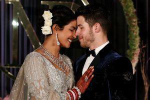 Nick Jonas và Priyanka Chopra đến thủ đô Ấn Độ sau đám cưới '3 ngày 3 đêm'