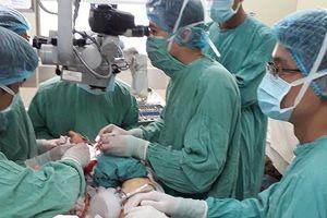Người phụ nữ bị rắn độc cắn, phải phẫu thuật chỉnh hình