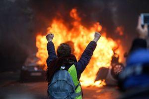 Lịch sử luôn đứng về người biểu tình Pháp, TT Macron có run sợ?