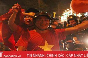 CĐV Hà Tĩnh vui mừng khi Việt Nam vào chung kết AFF Cup 2018