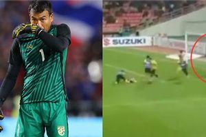 Bị cầu thủ Malaysia quây kín, chế giễu trên sân, thủ môn Chatchai phản ứng bất ngờ