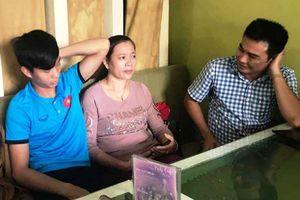 Mẹ Phan Văn Đức vượt hơn 300km đến Mỹ Đình cổ vũ cho con trai