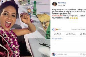 Thùy Tiên đi 'bão' bằng Grab Bike, H'Hen Niê đang tham gia Miss Universe 2018 cũng không quên chúc mừng ĐTVN