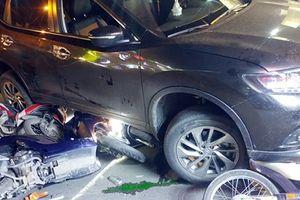Ô tô tông hàng loạt xe máy ở TP.HCM, tài xế có biểu hiện say xỉn