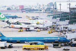 Quá tải sân bay: Hòn đá nặng đè lên phát triển du lịch
