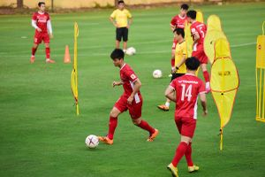 Báo Hàn Quốc: 'Việt Nam và Thái Lan sẽ vào chung kết AFF Cup 2018'
