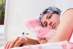7 triệu chứng của bệnh bạch cầu bạn không nên bỏ qua