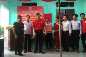 Bàn giao nhà Chữ thập đỏ cho gia đình khó khăn tại Thanh Hóa