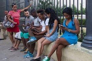 Kết nối internet 3G đến với người dân Cuba