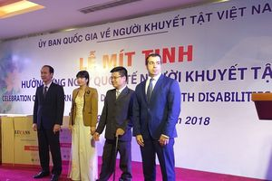 Azerbaijan tặng xe lăn cho người khuyết tật Việt Nam
