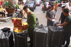 Bắt xe đầu kéo chở nửa tấn pháo lậu tại Nghệ An