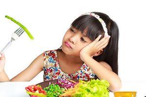 Mẹo hay để bữa ăn của trẻ không trở thành 'cuộc chiến'