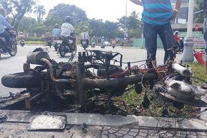 Honda Air Blade bất ngờ bốc cháy khi đang lưu thông trên đường