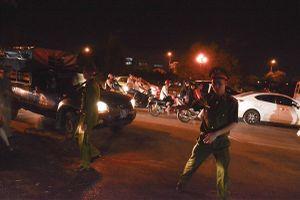 Tuyển Việt Nam vào chung kết: Lực lượng chức năng trắng đêm