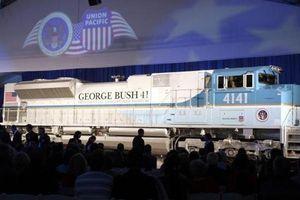 Linh cữu cựu Tổng thống George HW Bush đi tàu về nơi an nghỉ cuối cùng